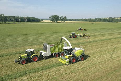 JOSERA Maschinen bei der Gras Ernte