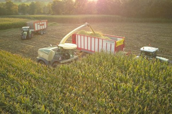 JOSERA Maschinen bei der Maisernte