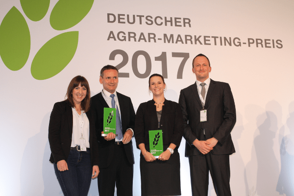 JOSERA Marketingmitarbeiter erhalten Marketingpreis 2017